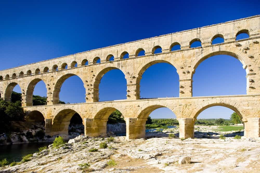 Roman aqueduct, Pont du Gard