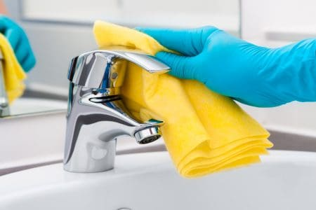 How to Clean Kitchen and Bathroom Faucets