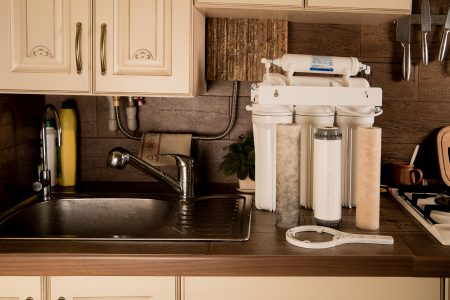 How to Clean a Water Filter (6 Simple Steps)