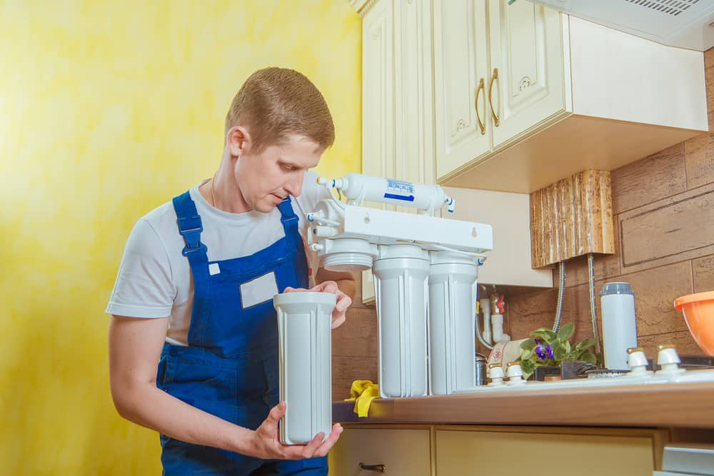How to Install a Water Filter (4 Step Guide)