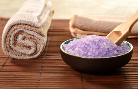 7 Best Bath Salts (2020 Guide)