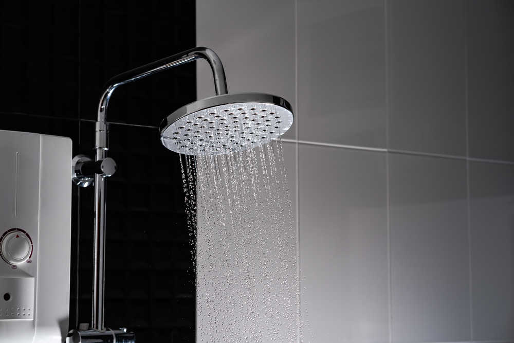 Shower head with extention arm
