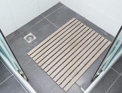 5 Best Shower Mats for Safe Showering (2020 Picks)