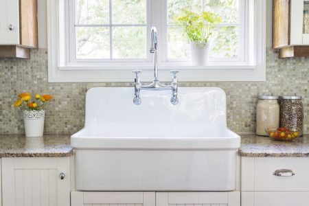 The Best Farmhouse Sinks: Top 7 Sinks and Detailed Buyer's Guide