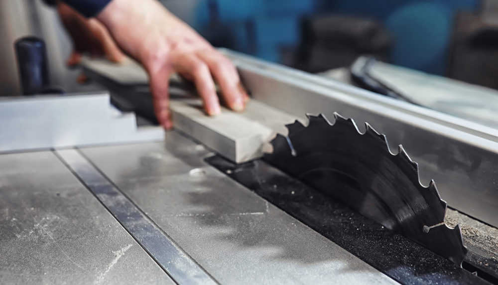 Table Saw Safety (14 Things You Should Know Before Sawing)