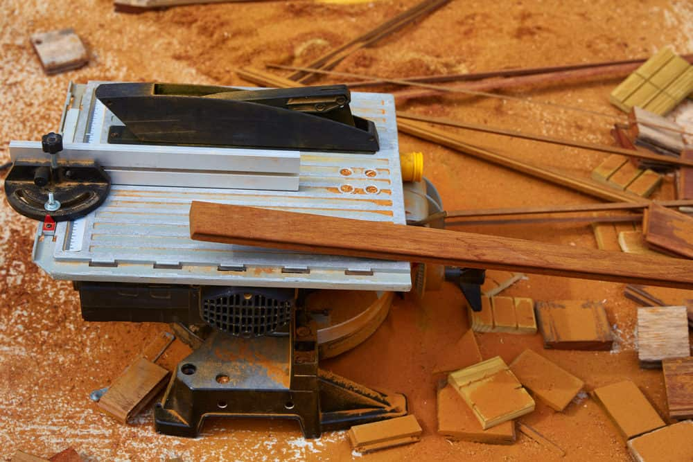Woodworking table saw with fence system