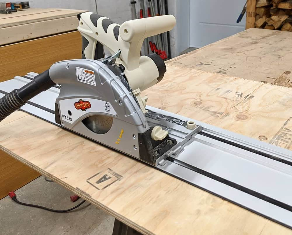 Track saw for woodworking