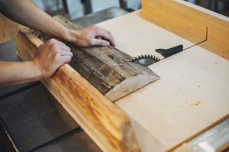 Cutting wood properly with a table saw
