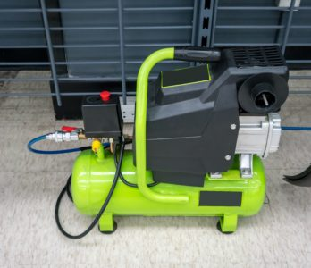 Portable 30 gallon air compressor
