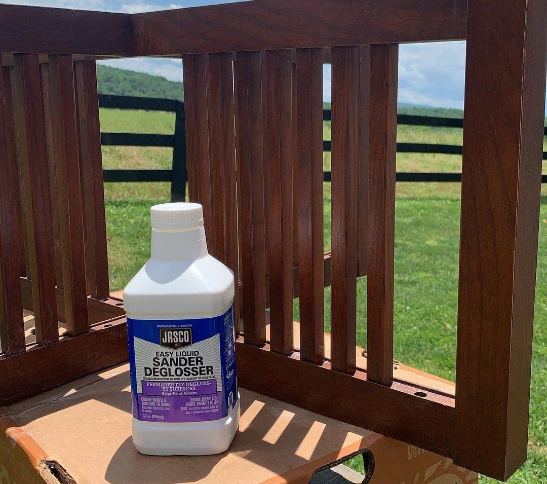 Liquid sander deglosser for wooden chair