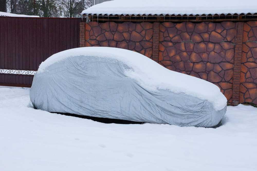 Car tarpaulin for snow