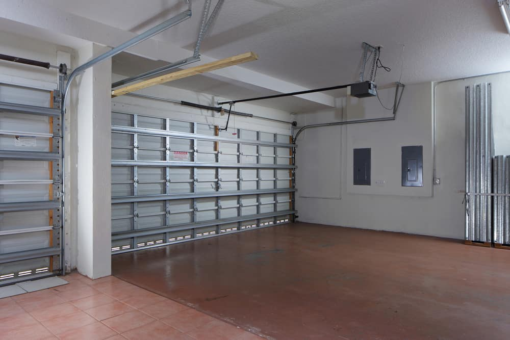 Empy garage with closed doors