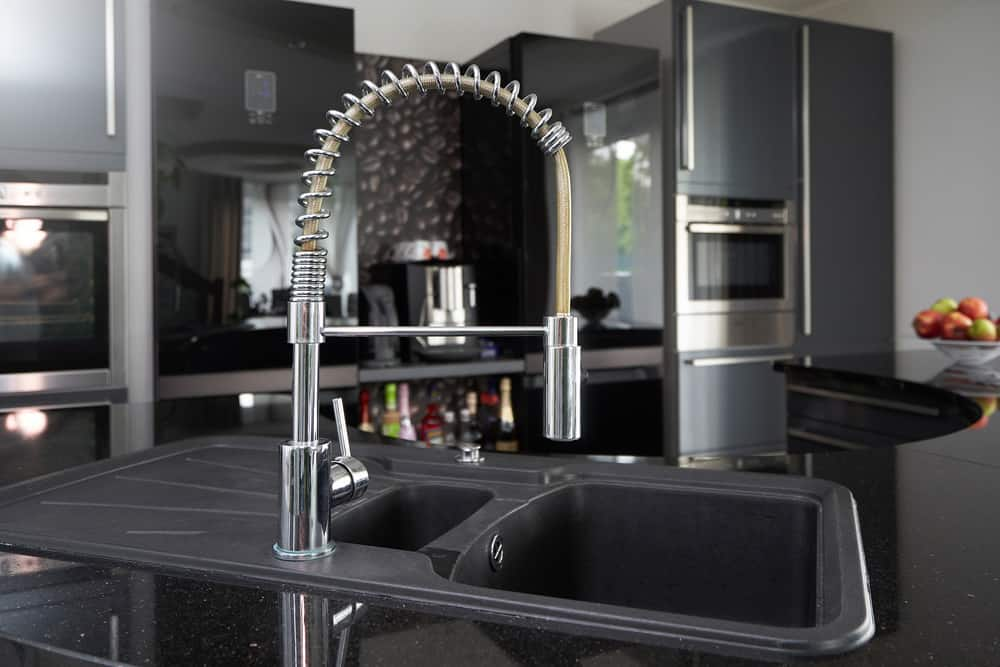 Black kitchen pull out spray faucet